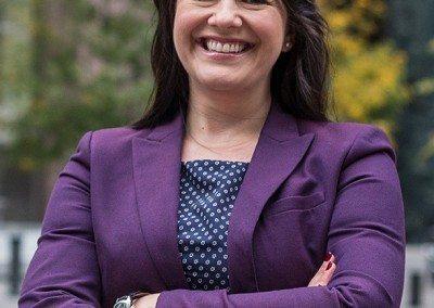 Angela Mcilveen Headshot